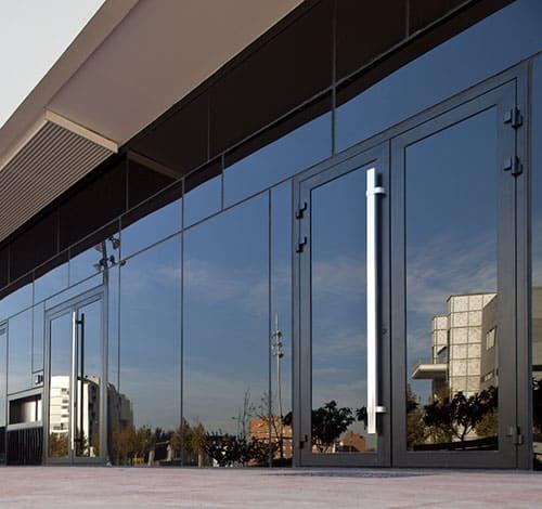 aluteknic-carpinteria-aluminio-vidrio-puerta-millennium-plus