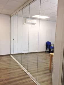 aluteknic-cortinas-vidrio-oficinas-rubi
