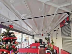 aluteknic-cortinas-vidrio-pergola-bioclimatica-heladeria-castelldefels