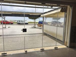 aluteknic-cortinas-vidrio-restaurante-cubelles