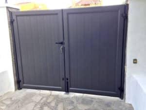 aluteknic-vallas-cancelas-puertas-aluminio-chalets-calafell-el-vendrell-1